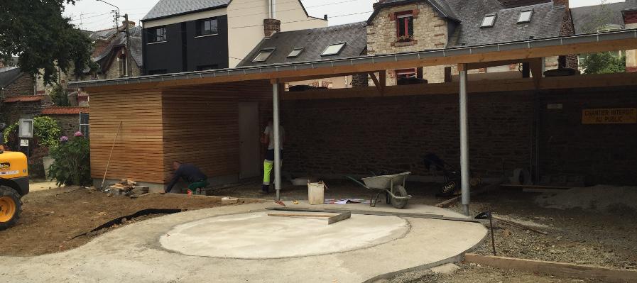 R novation d 39 une cr che for Construction bois zinc